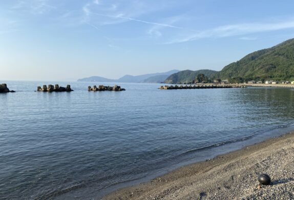 美浜駅から一番近い海岸、和田海岸